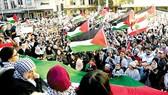 Ngày 15-5, hàng ngàn người đã diễu hành ở các thành phố Sydney (Australia)                 phản đối các cuộc tấn công của Israel vào Dải Gaza. Ảnh: REUTERS