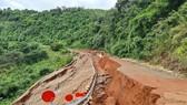 Xây bờ kè khắc phục sự cố sạt lở trên tuyến đường liên xã  Nam Ka - Ea R'Bin, huyện Kắk, tỉnh Đắk Lắk
