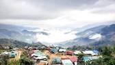 Khu tái định cư kiểu mới ở xã Tr'hy (huyện Tây Giang, tỉnh Quảng Nam) đã giúp người dân an toàn trong mùa mưa bão năm 2020. Ảnh: NGUYỄN CƯỜNG