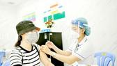 Tiêm vaccine Covid-19 đợt 5 tại Bệnh viện Thống Nhất, TPHCM. Ảnh: CAO THĂNG