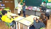 Giờ học nhạc tại một trường tiểu học đa văn hóa ở Hàn Quốc