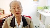 Bác Mười Út, một độc giả thường đến Báo SGGP gửi tiền đóng góp cho quỹ xã hội từ thiện