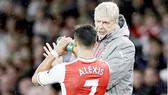 Arsenal lại phải nhờ đến Sanchez để duy trì hy vọng tốp 4