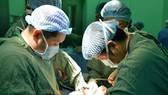 Phẫu thuật lấy khối bướu hiếm gặp ở trẻ sơ sinh