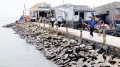 Cộng đồng dân cư đã thực hiện nạo vét, cải tạo môi trường tại xã Thạnh An, huyện Cần Giờ, TPHCM. Ảnh: THÀNH TRÍ