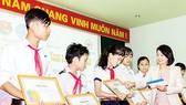 """Quỹ Lê Mộng Đào """"Chắp cánh ước mơ"""" cho các HS-SV nghèo tại các tỉnh miền Trung & Tây Nguyên"""