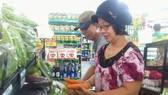 Đông đảo người dân chọn kênh bán lẻ tiện lợi để mua sắm hàng ngày
