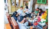 Phóng viên ĐTTC tham gia buổi offline của nhóm sưu tập tiền Biên Hòa 2