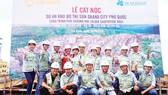 Công ty CP Tập đoàn Xây dựng Hòa Bình cất nóc vượt tiến độ công trình Phố thương mại tại Phú Quốc