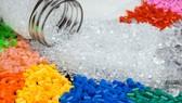 Cân nhắc việc tăng thuế nguyên liệu nhựa