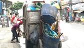 Tăng hỗ trợ để thu hút lực lượng thu gom rác