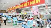 Nông dân huyện Hóc Môn tích cực tuyên truyền sử dụng hàng Việt