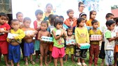 5 tỷ đồng chăm lo tết cho trẻ em nghèo