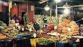 Đa dạng các loại rau củ quả về chợ đầu mối Hóc Môn,  cung ứng nhu cầu sau tết của người tiêu dùng TPHCM
