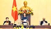 Chủ tịch Quốc hội Nguyễn Thị Kim Ngân phát biểu bế mạc phiên họp thứ 44 của UBTVQH. Ảnh: VIẾT CHUNG