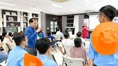 TS - bác sĩ Lê Văn Nhân, giảng viên Trường Đại học Y khoa Phạm Ngọc Thạch chia sẻ tại buổi trao đổi