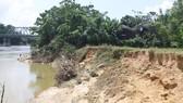 Xử lý sạt lở đất bờ sông Ngàn Sâu