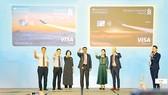 Vietnam Airlines và Standard Chartered Việt Nam ra mắt tài khoản ngân hàng tích lũy dặm bay