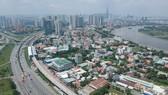 Tuyến metro số 1 chạy dọc xa lộ Hà Nội, quận 2. Ảnh: CAO THĂNG