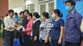 Công đoàn Viên chức TPHCM: Chăm lo hơn 900 công đoàn viên bị ảnh hưởng bởi dịch Covid-19