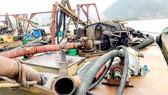 Bắt 4 tàu khai thác cát trái phép trong lòng hồ Dầu Tiếng