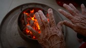 Cảnh báo nguy cơ điện giật, ngộ độc khí than do sưởi ấm