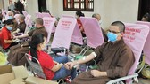 Hơn 360 tăng ni của Học viện Phật Giáo Việt Nam hiến máu