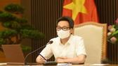 Phó Thủ tướng Chính phủ Vũ Đức Đam, Trưởng Ban Chỉ đạo Quốc gia phòng, chống dịch COVID-19, chủ trì cuộc họp trực tuyến. Ảnh: TTXVN