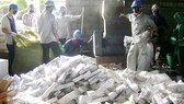 ĐBSCL: Giữ hàng chục ngàn gói thuốc lá lậu qua biên giới