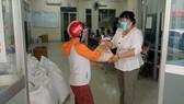 Người dân phường 13 (quận Tân Bình) mong sớm được hỗ trợ
