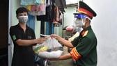 TPHCM phân bổ 9.815 tấn gạo hỗ trợ người dân khó khăn