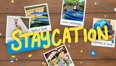 Poster chương trình kêu gọi du lịch tại chỗ ở Hồng Công