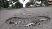 Mất an toàn giao thông trên đường Nguyễn Văn Linh
