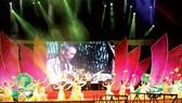 Tiết mục ca múa nhạc Người là niềm tin tất thắng trong chương trình nghệ thuật Bài ca tháng Năm, diễn ra tại TPHCM tối 4-6. Ảnh: Minh An