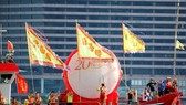 Một trong các hoạt động chào mừng 20 năm Anh trao trả Hồng Công  cho Trung Quốc
