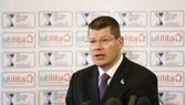 Ông Neil Doncaster tin Celtic và Rangers sẽ sớm được chơi ở Premier League.