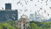 Những cánh chim hòa bình trong lễ tưởng niệm 71 năm thảm họa hạt nhân Hiroshima, Nhật Bản (Ảnh: Reuters)