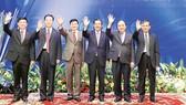 Thủ tướng Nguyễn Xuân Phúc và trưởng đoàn các nước tham dự Hội nghị cấp cao Ủy hội sông Mekong quốc tế lần 3 Ảnh: TTXVN