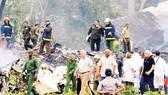 Chủ tịch Cuba Diaz-Canel đến hiện trường vụ tai nạn