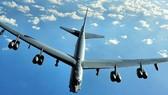 Mỹ điều máy bay B-52 đến gần Trường Sa