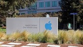 """iPhone lắp ráp tại Trung Quốc """"né"""" được thuế"""