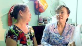 Chủ tịch HĐND TPHCM Nguyễn Thị Quyết Tâm thăm hỏi người dân Thủ Thiêm