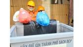Người dân lúng túng phân loại rác tại nguồn