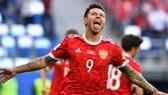 Tiền vệ Fedor Smolov vui mừng sau khi ghi bàn vào lưới New Zealand ở trận khai mạc. Ảnh: FIFA