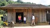 Học sinh Trường Phổ thông Dân tộc bán trú THCS Mường Hoong phải trọ bên ngoài để học