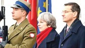 Thủ tướng Anh Theresa May và Thủ tướng Ba Lan Mateusz Morawiecki ngày 21-12, tại Ba Lan