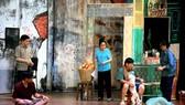 Một cảnh trong vở Sài Gòn có một ngã tư của sân khấu Hoàng Thái Thanh  