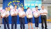 Trao quà tết tặng học sinh có hoàn cảnh khó khăn tại trường THCS Lương Thế Vinh, quận 3
