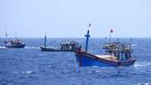 Phản đối hành động cấm đánh bắt cá ở biển Đông