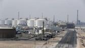 Saudi Arabia ngăn chặn dầu tăng giá